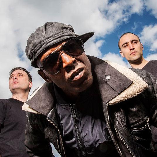 Drumsound & Bassline Smith - FEEL IT